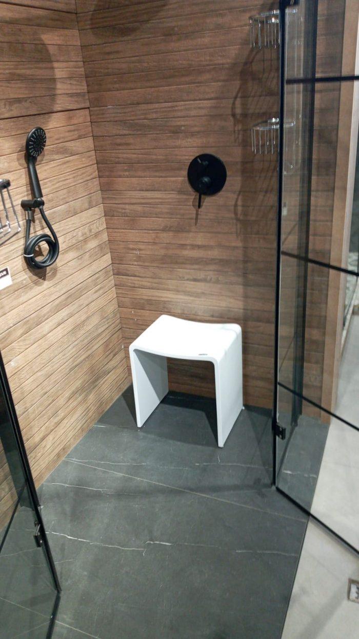 כסא מקלחון קוריאן