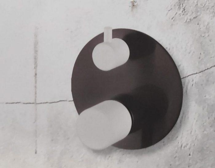 אינטרפוץ 4 דרך שחור מט DH ידית שחורה/לבנה